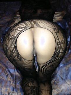 Полуголые мамаши демонстрируют свои прелести секс фото и порно фото