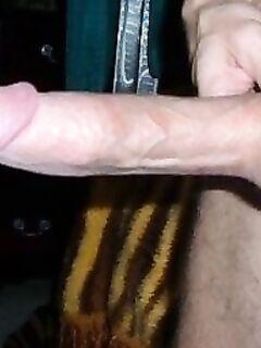 Мужики показывают большие члены дома и  на подружек секс фото и порно фото