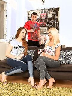Венгерка Kiara Lord и россиянка Taissia Shanti трахаются вчетвером секс фото и порно фото