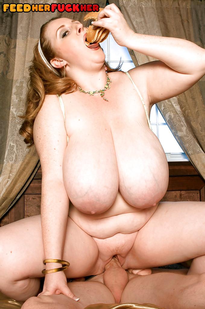 Толстушка совместила секс и завтрак на диване с мужиком в тату секс фото и порно фото