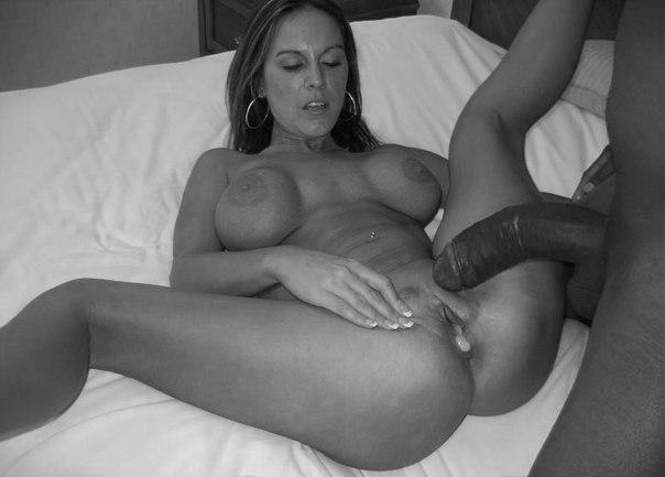 Извержение чёрных членов на вагины крупным планом секс фото и порно фото