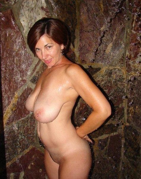 Зрелые провинциалки с большими грудями раздеваются чтобы позировать перед камерой секс фото и порно фото