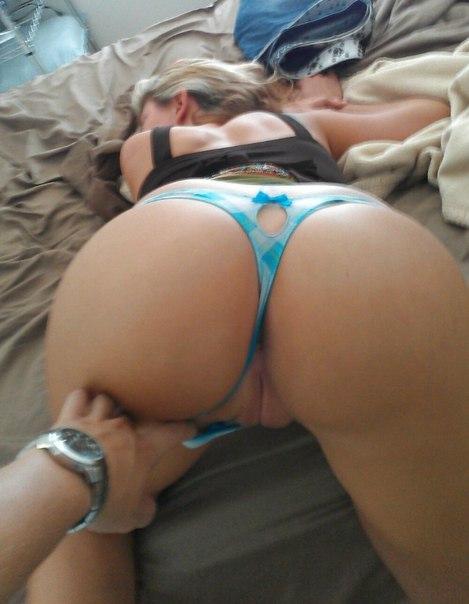 Жопастые дамы трахаются с любовниками в пизду и сосут члены секс фото и порно фото