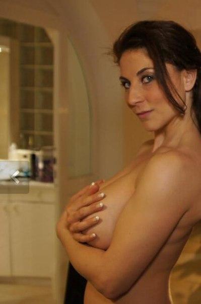 Сочные зрелки показывают большие сиськи и жопы на камеру секс фото и порно фото