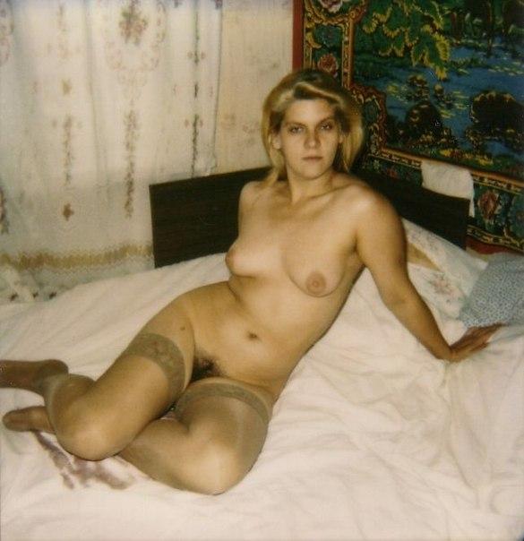 Сексуальные жёны демонстрирует голые тела дома секс фото и порно фото