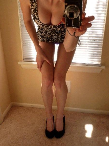 Сучки сверкают аппетитными формами перед сексом секс фото и порно фото