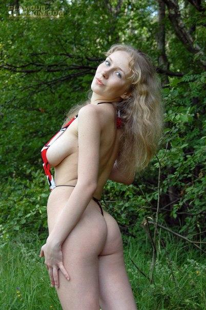 Подборка снимков голых чувих на свежем воздухе секс фото и порно фото