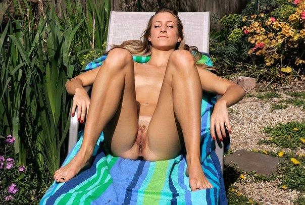 Подглядывание за девушками на нудистском пляже секс фото и порно фото